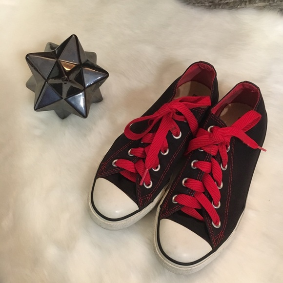 Black Converse With Red Stitching Laces